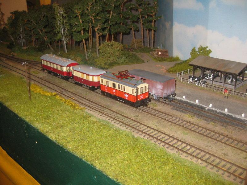Elektrischer Gütertriebwagen auf Kleinbahnstrecke 20400364ou