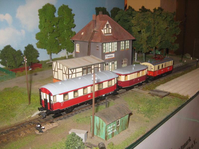 Elektrischer Gütertriebwagen auf Kleinbahnstrecke 20400376ny