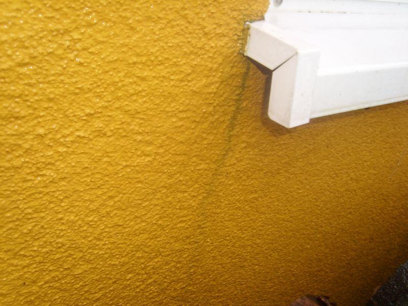 wasserflecken auf holz diese frau entfernt wasserflecken auf holz mit ihrem fleck auf parkett. Black Bedroom Furniture Sets. Home Design Ideas