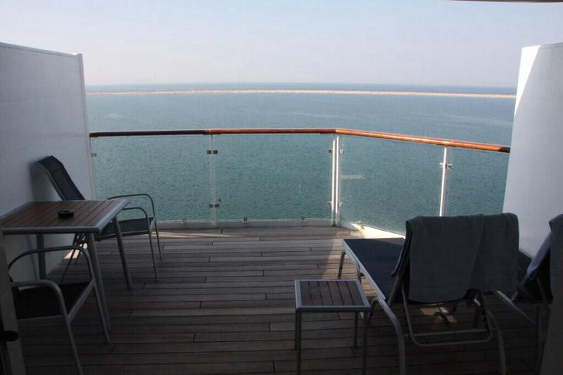 Mein Schiff 2: Junior Suite with X-Lounge access