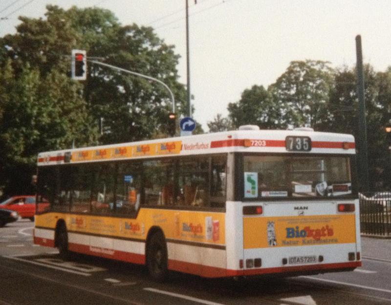 kleiner bildermix erinnerung an die ersten niederflurbusse bei der rheinbahn anfang der 90er. Black Bedroom Furniture Sets. Home Design Ideas