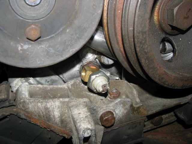Guten Tag! Welches Motoröl wird verwendet? Mobil1 hält dauerhaft auch Temperaturen über Grad stand. Wenn M1 verwendet wird, stellen Grad Öl-Temperatur absolut kein Problem da.