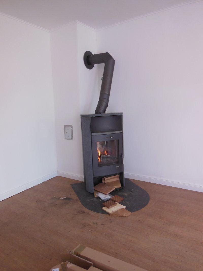 wasserf hrender kaminofen sinnvoll motors gen portal. Black Bedroom Furniture Sets. Home Design Ideas