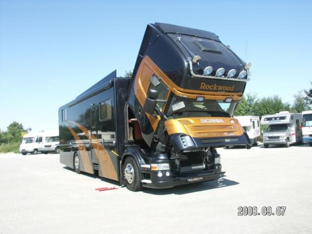 Warum einen LKW zum Wohnmobil umbauen? - Basis - wohnbusse.eu
