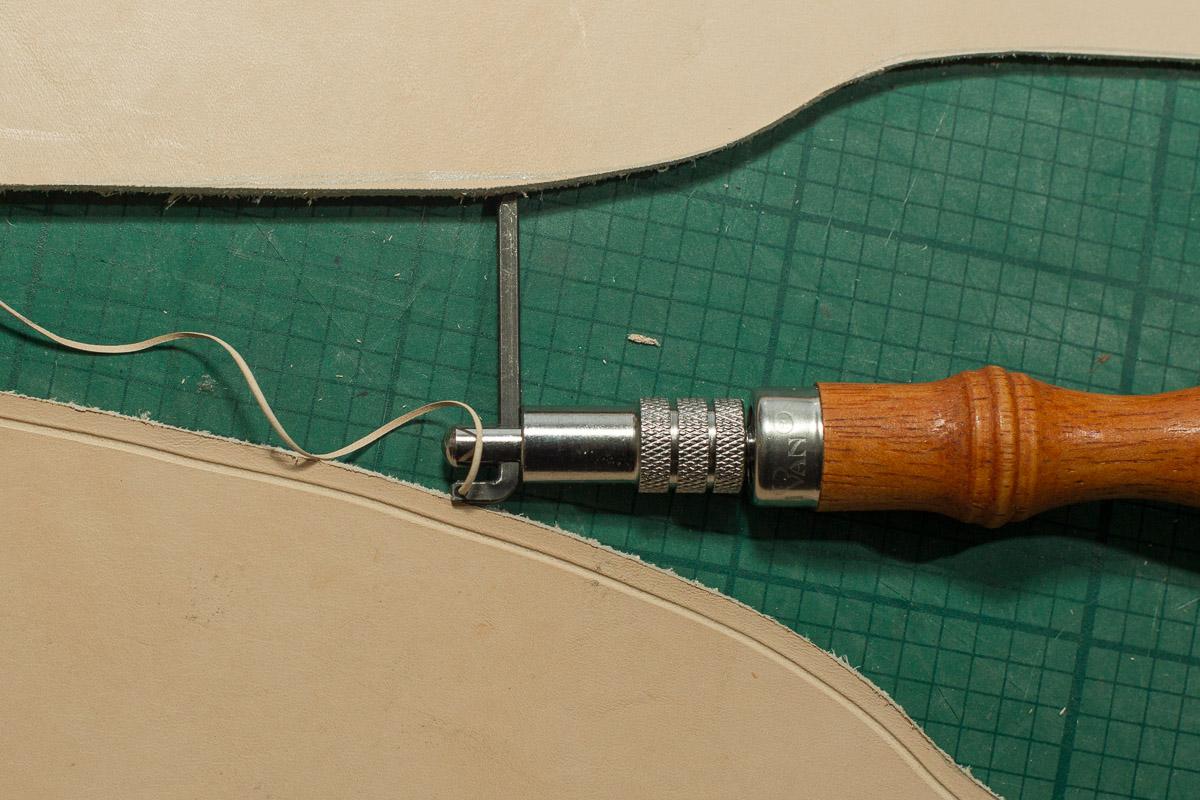 Leather Crafting / Kante, Motiv punzieren und Färben