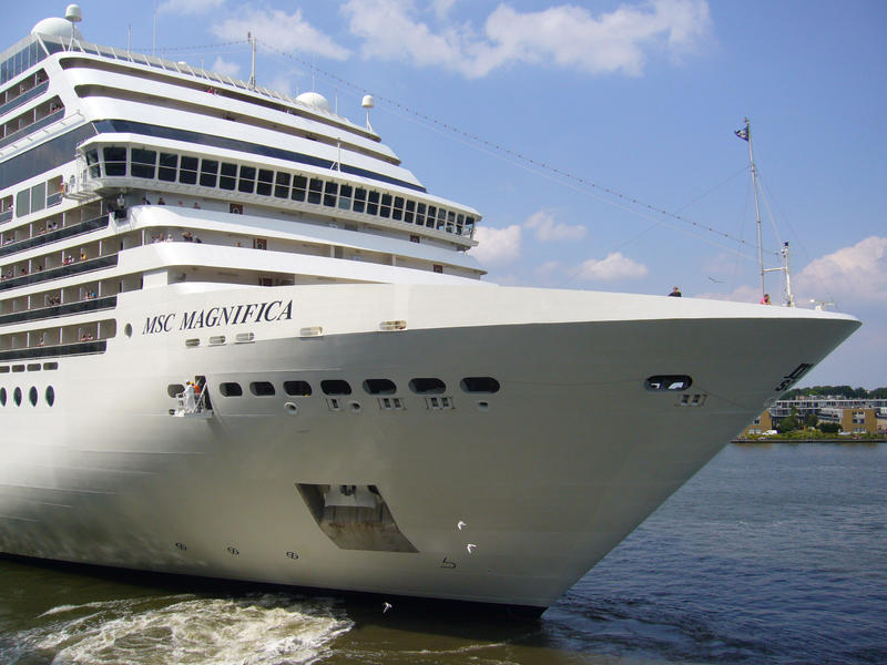 "Celebrity ""Connections"" Roll Calls - Cruise Critic Community"