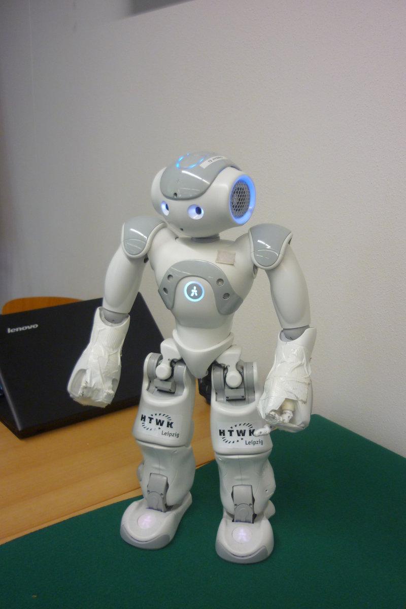 Lange Nacht der Computerspiele: Fußball-Roboter des HTWK-Leipzig Teams
