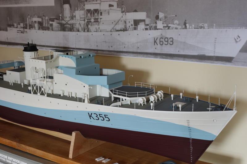 The Ship Model Forum • View topic - Castle Class Corvette 1/72
