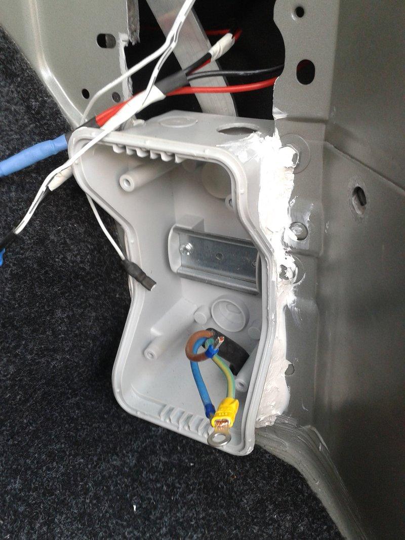 Außenstrom 230 V mit FI, Zugentlastung und Klemmschutz | Seite 3