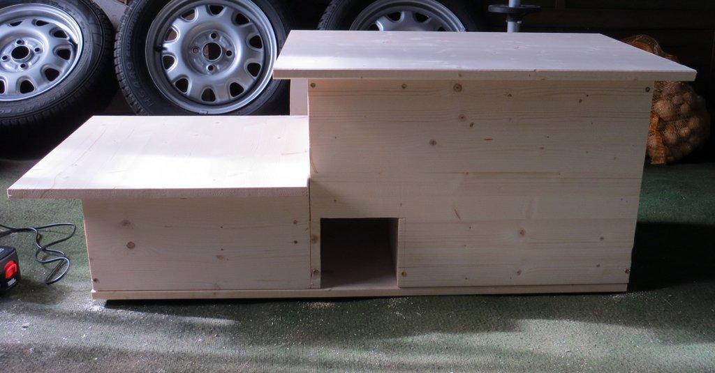 kurze frage zum bau eines igelhauses kleinen igel. Black Bedroom Furniture Sets. Home Design Ideas