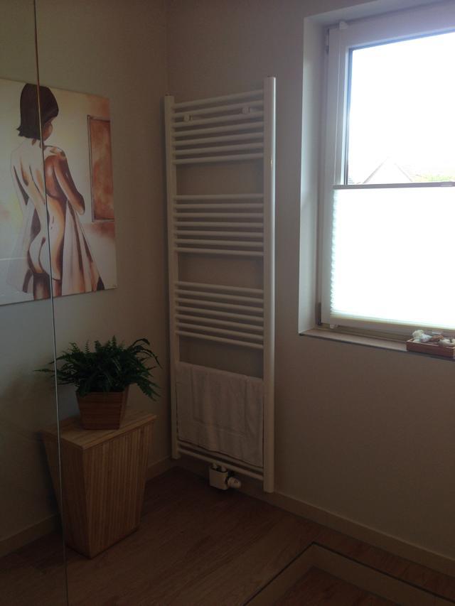 bad preiswert umgestalten haus garten forum. Black Bedroom Furniture Sets. Home Design Ideas