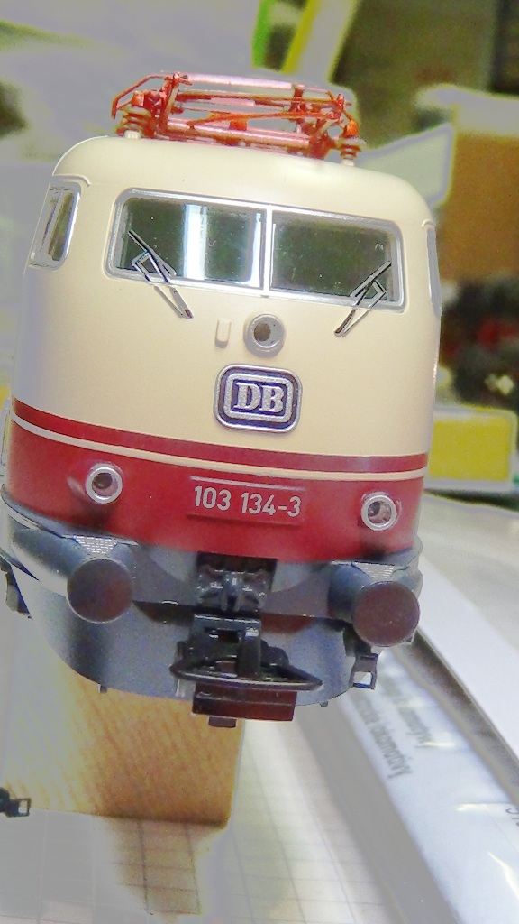 mit Schürze Epoche IV PIKO 51671 E-Lok BR 103 kurz H0 AC-Version