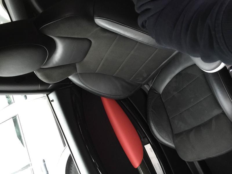 jcw gp2 sitze mit schwarzer naht und inkl r cksitzbank. Black Bedroom Furniture Sets. Home Design Ideas