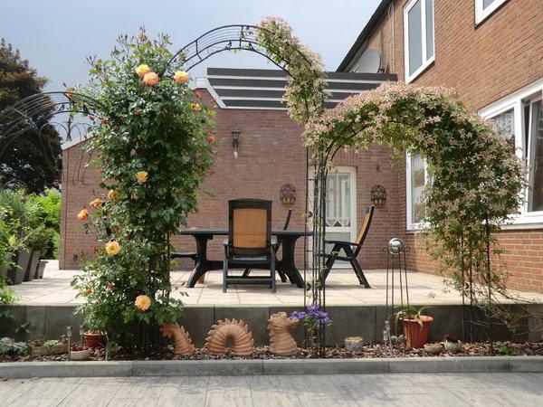 Klettergerüste Für Rosen : Clematis und kletterrose rosenparadies loccum