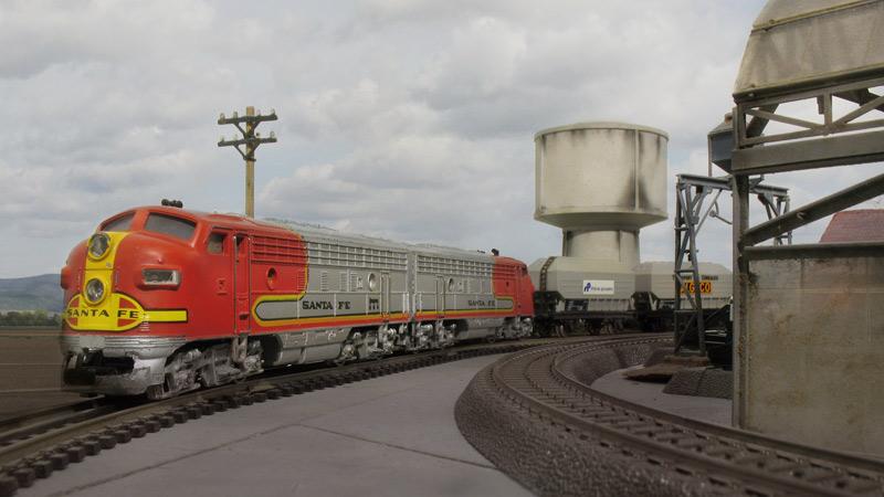 Amerikanische Diesellok zu Testfahrten in Europa 24094004jc