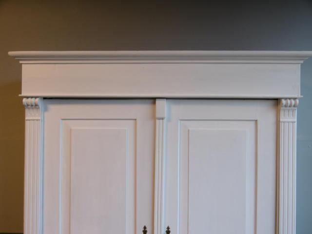 kleiderschrank schrank dielenschrank in weichholz shabby. Black Bedroom Furniture Sets. Home Design Ideas