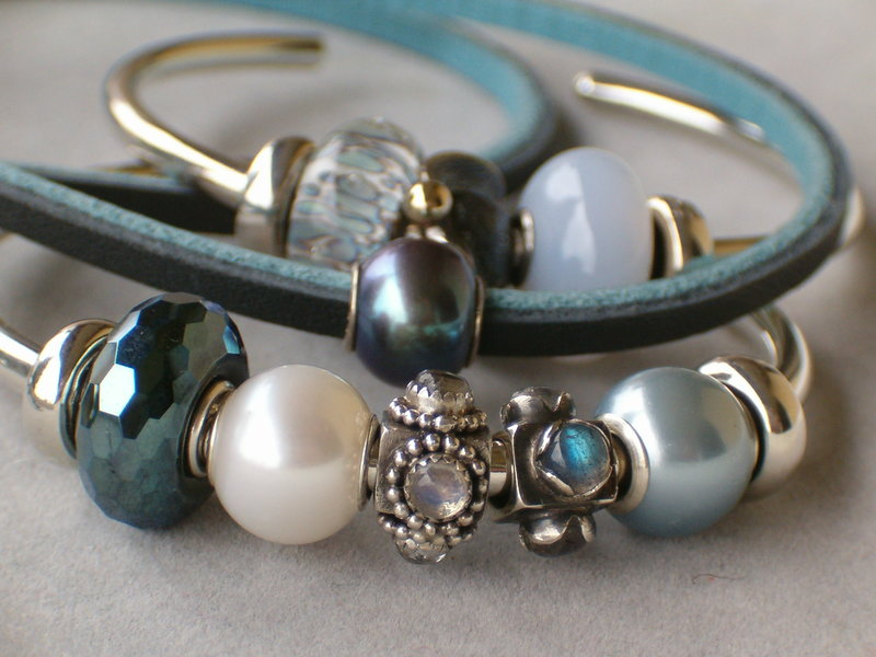 Light blue with pearls and stones 24679781ed