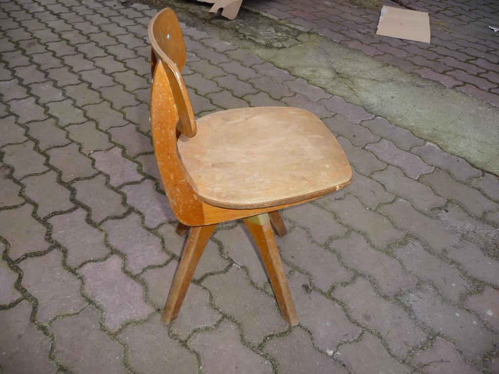 Kinder stuhl industriedesign in aarau kaufen bei for Stuhl industriedesign