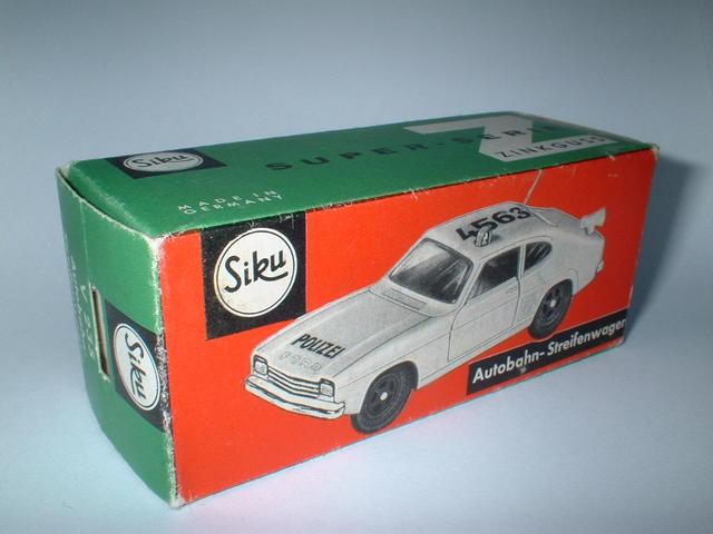 Autobahn-Streifenwagen Reprobox Siku V 235 Porsche 901
