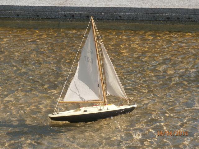 Un catamaran Tirot. 25265019pg