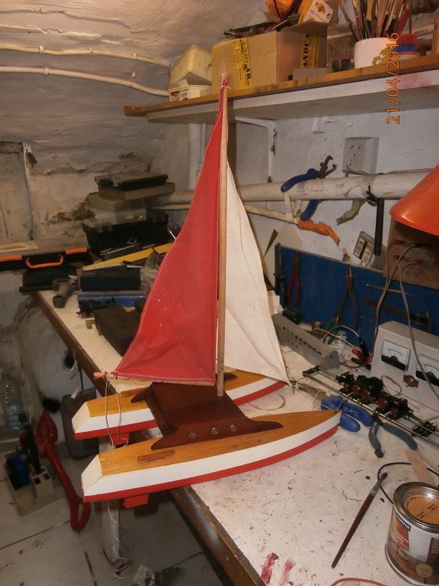 Un catamaran Tirot. 25287376br