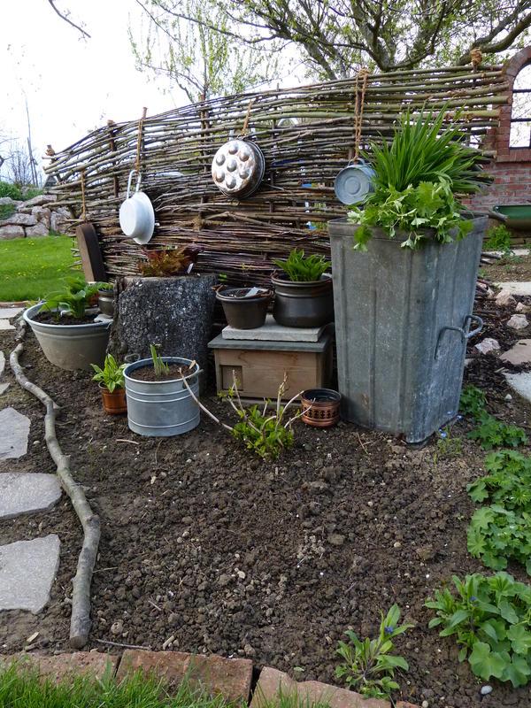 Bepflanzte zinkwanne seite 9 gartengestaltung mein for Gartengestaltung zinkwanne