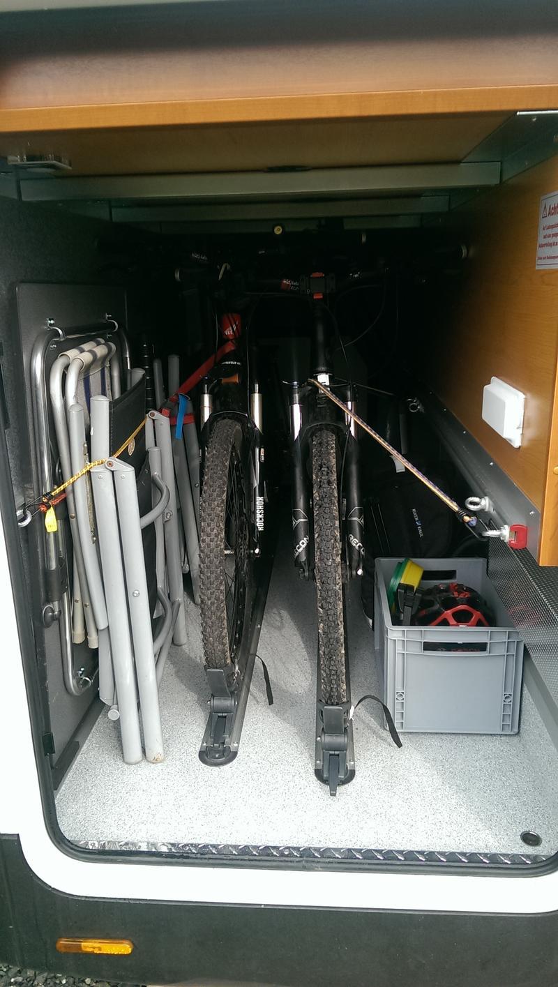 bike holder f r heckgarage seite 2 carthagoforum. Black Bedroom Furniture Sets. Home Design Ideas