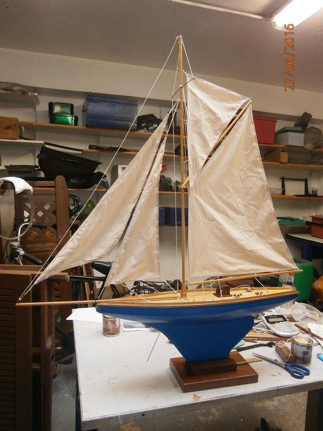 Aide et assistance: un voilier de 65 cm de long. - Page 2 26031018uz