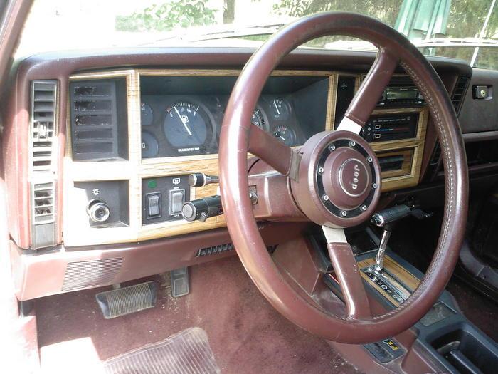 komplette innenausstattung vom XJ Wagoneer  Jeep