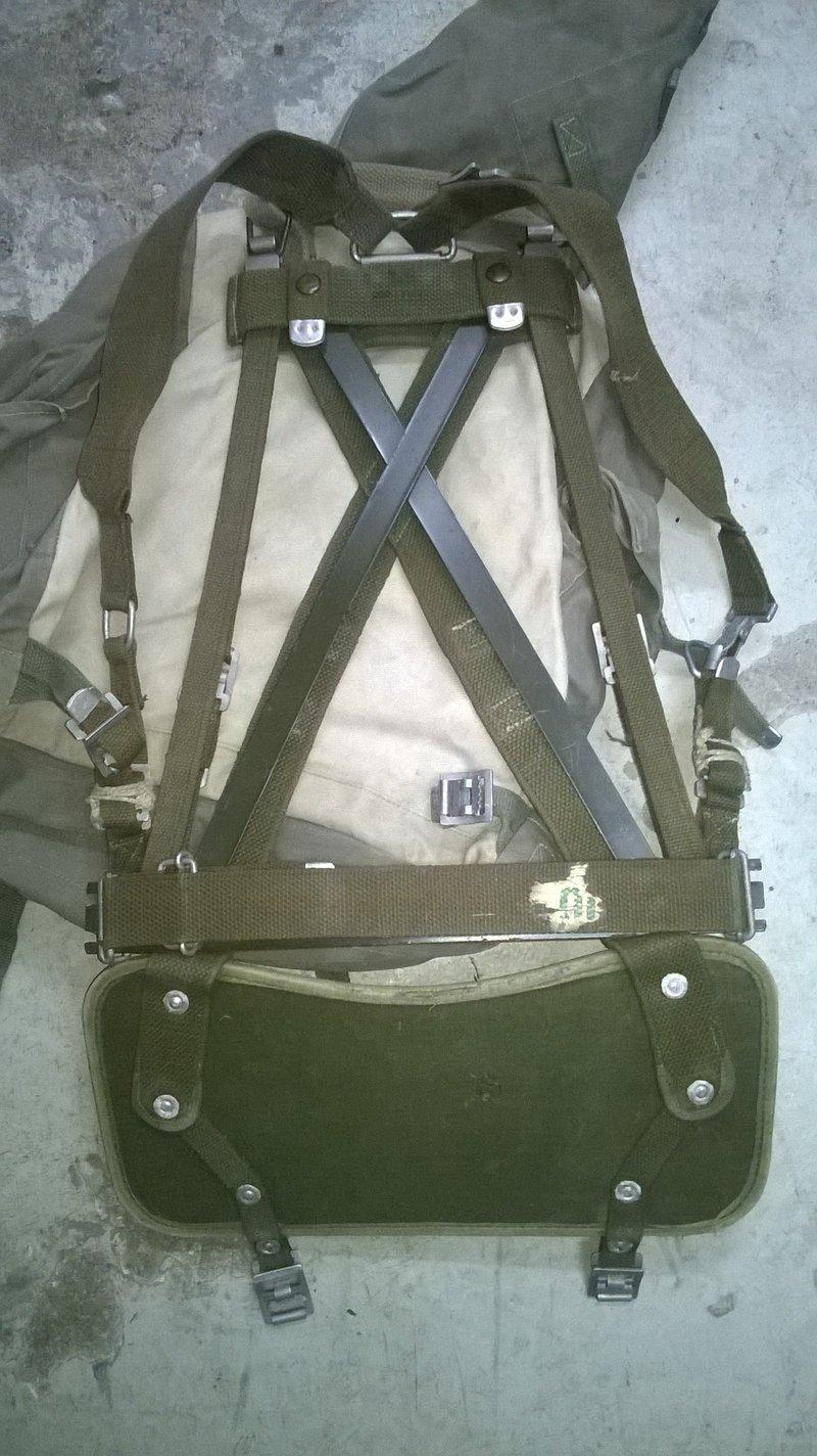Diverse Ausrüstung frühe Bundeswehr - Rückentrage m. Rucksack ...
