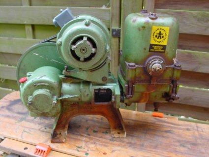 Reparatur Kolbenpumpe WL 2000 Brunnen