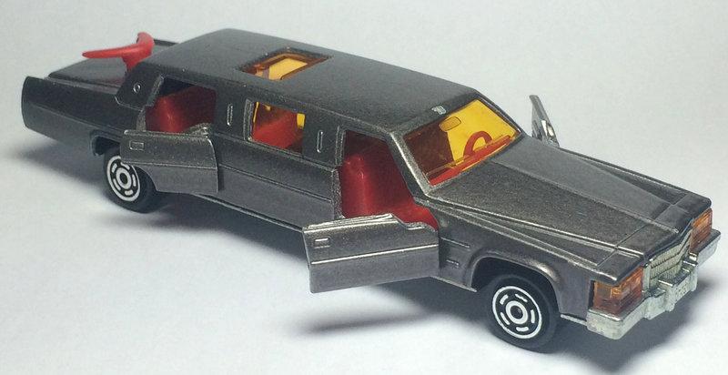 N°339 Cadillac Limousine 27098691do