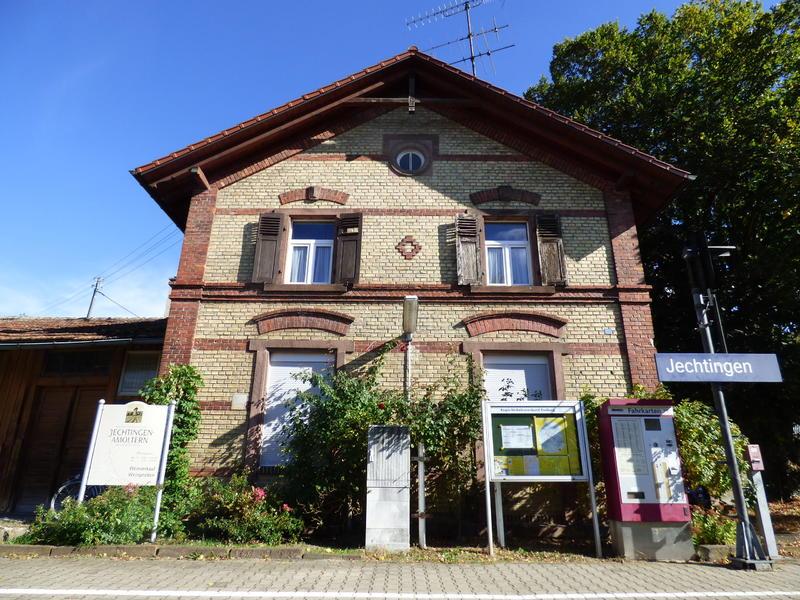 SWEG Bahnhofsgebäude Jechtingen  27176055em