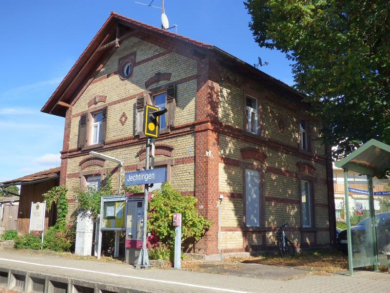SWEG Bahnhofsgebäude Jechtingen  27176080ls