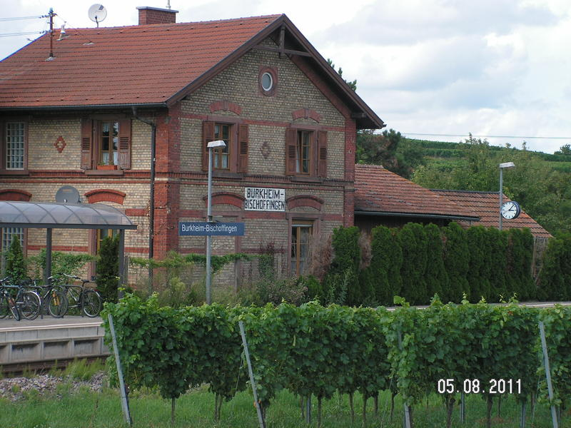 SWEG Bahnhofsgebäude Jechtingen  27185456uv