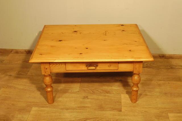 couchtisch tisch wohnzimmertisch in weichholz um 1900 antik ebay. Black Bedroom Furniture Sets. Home Design Ideas