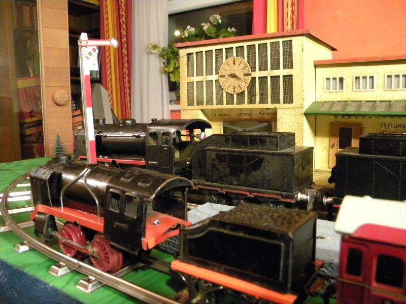 Aufziehbahn von Beckh in Spur 0, Lokomotive mit Kunststoffrädern 27662110xu