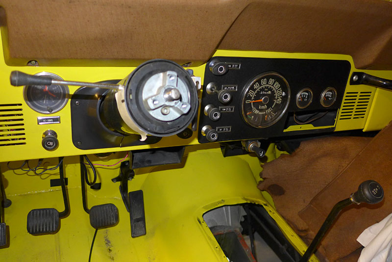 Restauration et prépa CJ7 V-8 AMC 360 Golden Eagle 27730368au