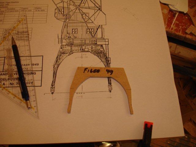 Baustufenbilder eines Hafenkran in H0 27925434yr