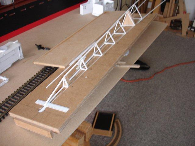 Baustufenbilder eines Hafenkran in H0 27929365ov