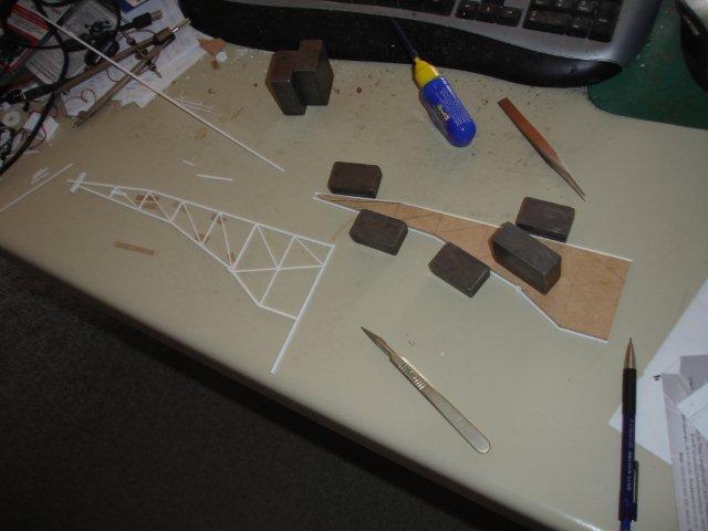 Baustufenbilder eines Hafenkran in H0 27929367jh