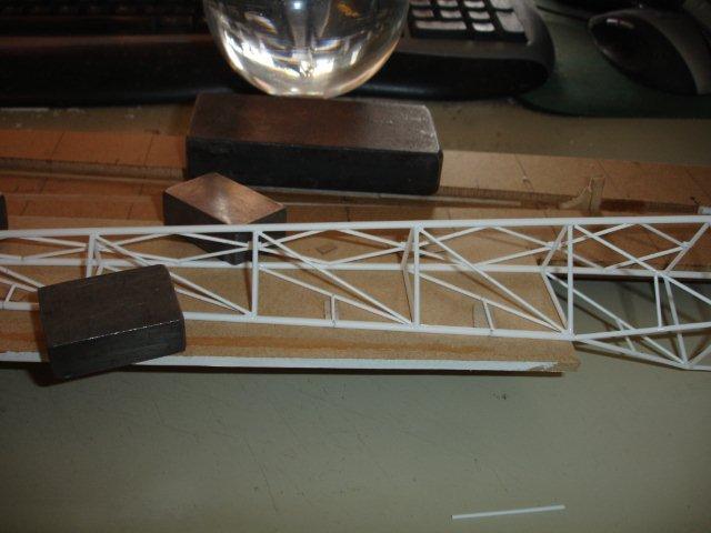 Baustufenbilder eines Hafenkran in H0 27934802qp