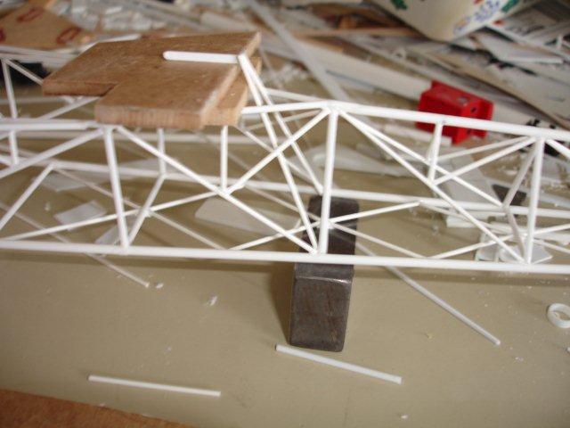 Baustufenbilder eines Hafenkran in H0 27934805io