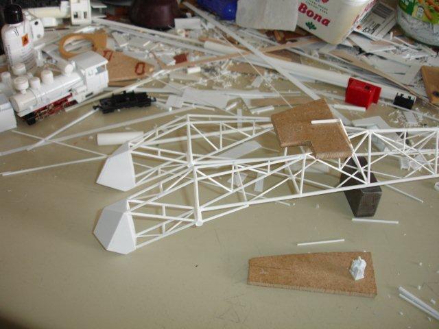 Baustufenbilder eines Hafenkran in H0 27934808fg