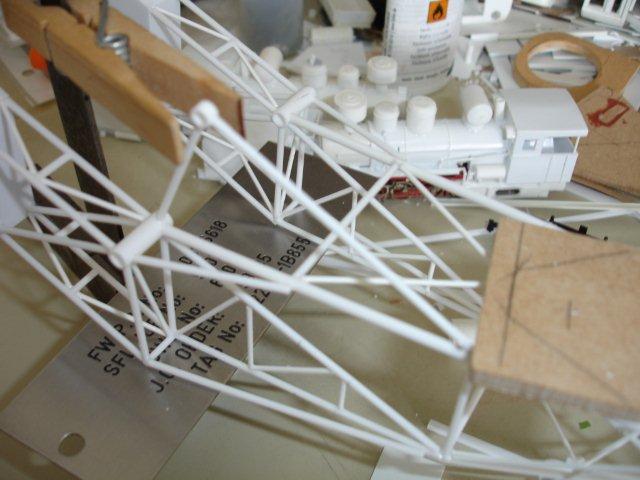 Baustufenbilder eines Hafenkran in H0 27934812so