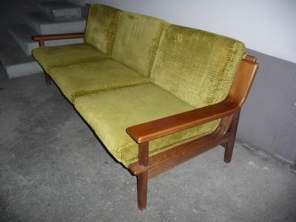 sofa teak 60er 70er jahre in aarau kaufen bei. Black Bedroom Furniture Sets. Home Design Ideas
