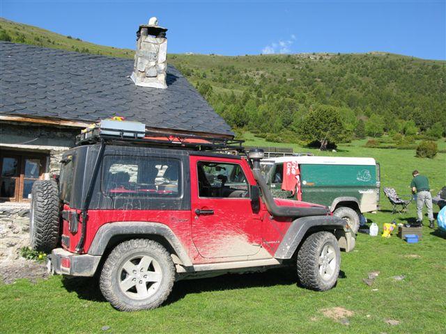 benzin kanister befestigen wo wrangler tj forum jeep. Black Bedroom Furniture Sets. Home Design Ideas
