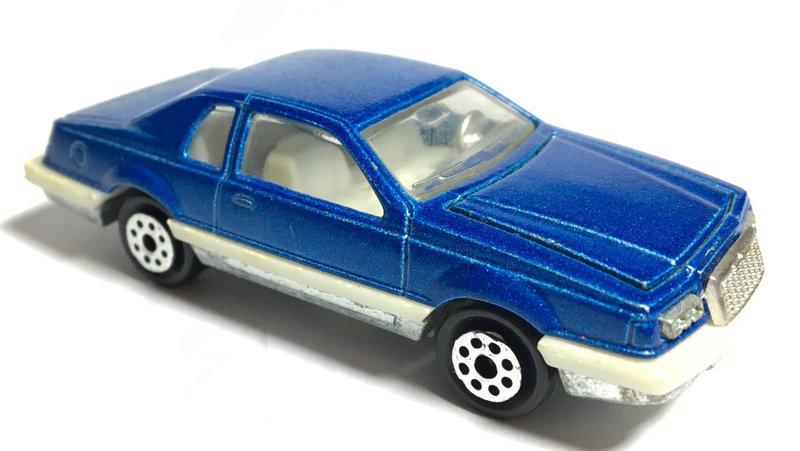 N°217 Ford Thunderbird 28889125gr