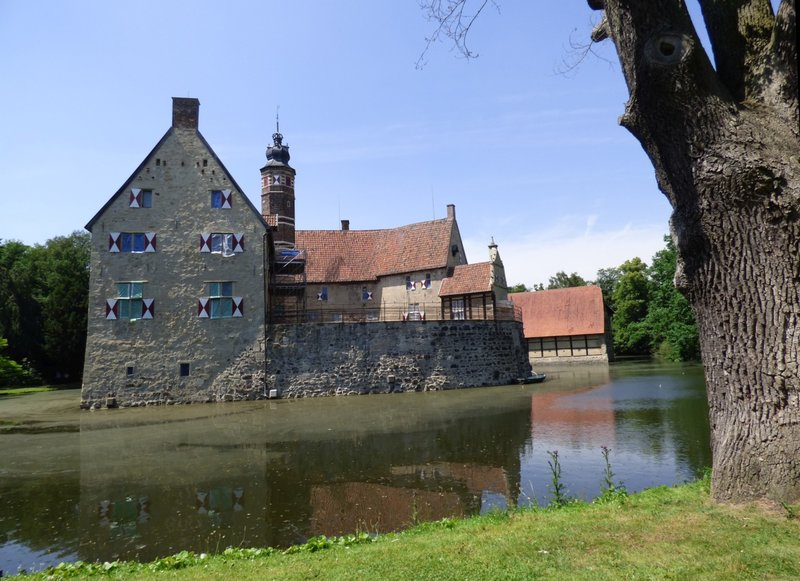 Rundgang um Burg Vischering in Lüdinghausen 29500041vk