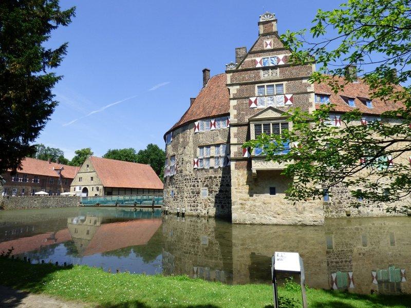 Rundgang um Burg Vischering in Lüdinghausen 29500052nr